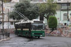 Nur 5000 Franken teuer, 26-jährig und immer noch rüstig: Der Trolleybus nimmt eine Aufwärtskurve. (Bild: Samuel Fuentes, Valparaiso)