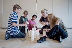 Durch das Theater sollen Flüchtlingskinder die Möglichkeit haben, sich besser zu integrieren. (Bild: Pius Amrein (Neue LZ))