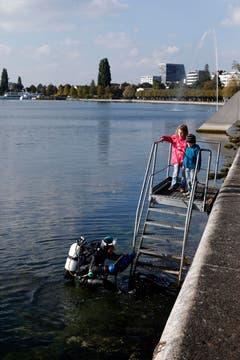 Vinka Looser taucht nach getaner Arbeit wieder auf. (Bild: Stefan Kaiser / ZZ)