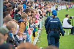 Die Sicherheitskräfte im Einsatz. (Bild: Maria Schmid)