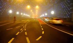Morgens um sieben Uhr ist die Verkehrswelt noch in Ordnung. Es herrscht fast gespenstische Ruhe. (Bild: Niklaus Rohrer)