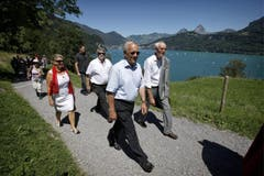 Bundesrat Johann Schneider-Ammann ist auf dem Weg zur 1.-August-Feier 2013 auf dem Rütli. (Bild: Keystone)