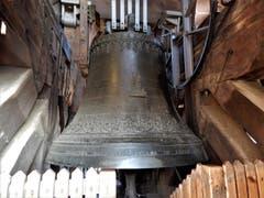 Dieser herrlichen Glocke so nahe sein, kann man nur wenn man auf den Turm des Basler Münsters steigt und sich anschliessend die Zeit beim Weihnachtsmarkt da unten vertreibt. (Bild: Margrith Imhof-Röthlin)
