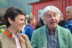 Auch der bekannte Kabarettist Emil Steinberger und dessen Frau Niccel liessen sich die Premiere nicht entgehen. (Bild: Bruno Arnold / Neue UZ)