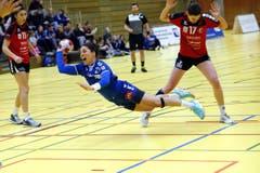 Am Ball: Soka Smitran. (Bild: Werner Schelbert / Zuger Zeitung)