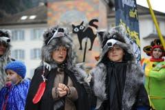 Auch Wölfe waren am Umzug mit dabei. (Bild: Urs Hanhart (Neue UZ))