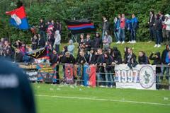 FCB-Anhänger sorgen für Stimmung. (Bild: Maria Schmid)