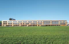 Schulhaus Eichmatt, Cham / Hünenberg - Bünzli & Courvoisier Architekten AG, 2009. (Bild: Baudirektion Kanton Zug)