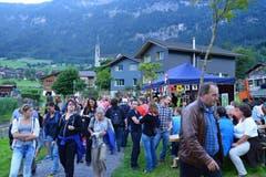 Seenachtsfest Lungern: Völkerwanderung am See. (Bild: Robert Hess / Neue OZ)
