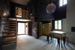 Ab Juli kann das Wohngefühl in diesem mittelalterlichen Holzhaus als Feriengast direkt erlebt werden. (Bild: Schweizer Heimatschutz / Ferien im Baudenkmal)