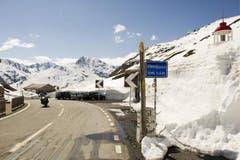 Bereits seit dem 4. Mai ist der Oberalppass wieder für den Verkehr frei. (Bild: Keystone)
