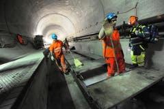 Rund 40 Prozent der Bahntechnik im längsten Eisenbahntunnel der Welt ist bereits installiert. (Bild: Urs Hanhart / Neue UZ)