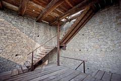 Der Luegislandturm gehört zum ältesten Teil der Mauer und diente anfänglich als Wachtturm. (Bild: Pius Amrein / Neue LZ)