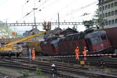 Der Streckenunterbruch führt zu erheblichen Störungen im Bahnverkehr. Der Güterverkehr wurde auf der Gotthardstrecke ebenfalls eingestellt. (Bild: Urs Hanhart (Neue UZ))
