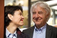 """Emil Steinberger und seine Frau Niccel an der Eröffnung der Schau """"EMIL. Die Ausstellung"""". (Bild: Keystone)"""