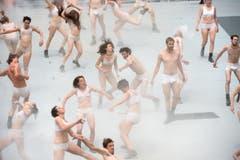 Liegts an der südlichen Lage? In Pollegio sind die Darsteller deutlich weniger bekleidet … (Bild: Keystone/ Gabriele Putzu)