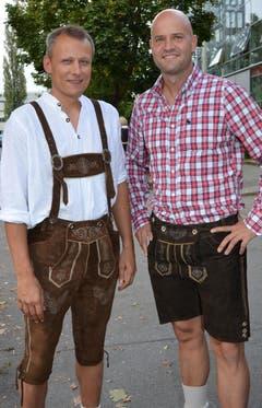 Werner Widmer (l.) und Andreas Niederhauser für's Oktoberfest gerüstet. (Bild: Claudia Surek)