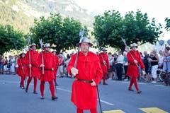 Die Roten Schwyzer an der Bundesfeier mit Dorffest in Brunnen. (Bild: Erhard Gick / Neue SZ)