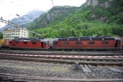 Verlaufen die Bergungsarbeiten nach Plan, kann der Bahnbetrieb ab Mittwochabend (13. Mai) wieder aufgenommen werden. (Bild: Urs Hanhart (Neue UZ))