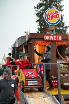Spootzünder Chliwangen mit dem Motto Fit met Fast Food. (Bild: Boris Bürgisser / Neue LZ)
