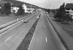 Autobahnbau vor 60 Jahren: Die Nähe zum Wohnquartier wurde nicht als problematisch angesehen. (Bild: KEYSTONE/PHOTOPRESS-ARCHIV/Jules Vogt)