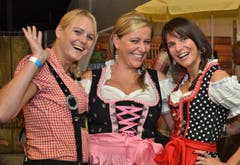 Treue Oktoberfest-Gäste: (v.l.) Monika Vetter, Barbara Joller und Miriam Anderhub. (Bild: Claudia Surek)