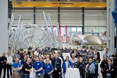 Sie ist riesig – die neue Fertigungshalle, welche die Ruag AG für ihre Raumfahrtabteilung im Industriepark Emmen neben dem Flugplatz errichtet hat. 17 Meter hoch ist die Stahlbaukonstruktion sowie je 72 Meter lang und breit. (Bild: Pius Amrein)