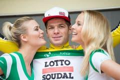 Der Belgier Jurgen Roelandts vom Team Lotto Soudal übernimmt das Gelbe Trikot. (Bild: Keystone / Gian Ehrenzeller)