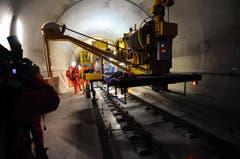 Im Tunnel ist ein 400 Meter langer Betonzug im Einsatz. (Bild: Urs Hanhart/Neue UZ)