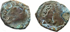 Zwei von über 50 Münzen italienischer Prägung aus der Zeit um 1560, die bei der Begehung des Pfarrmättelis mit dem Metalldetektor zum Vorschein kamen. (Bild: PD)
