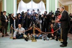 Anschliessende Pressekonferenz. (Bild: Peter Klaunzer)