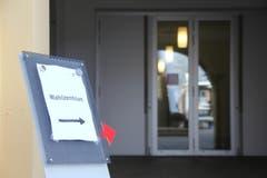 Die Türen zum Wahlzentrum sind offen. (Bild: Geri Holdener, Bote der Urschweiz)