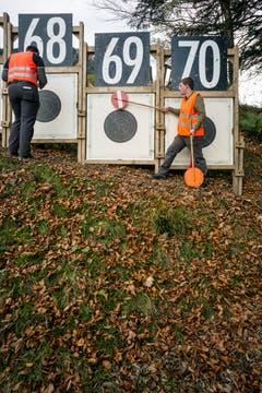 Zeiger und Schusskontrolle beim Zeigerstand. (Bild: Keystone/ALEXANDRA WEY)