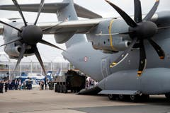 Ein Risengeschoss: Das Militärflugzeug Airbus A400M. (Bild: Francois Mori)