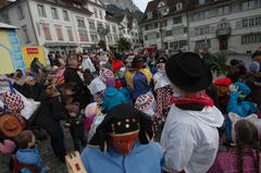 Man hört förmlich den Schwyzer Narrentanz. (Bild: Bote der Urschweiz)