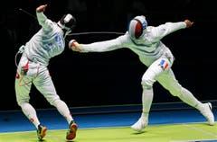Der Schweizer Fabian Kauter (links) in Aktion gegen den Franzosen Yannick Borel (Bild: EPA / Sergei Illnitsky)