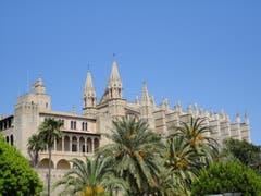 Die Kathedrale La Seu gilt als Wahrzeichen von Palma de Mallorca (Bild: Karin Buholzer)