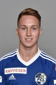 Nicolas Haas 3: Der 20-Jährige wirkt im Auftaktspiel nervös, er ist fahrig und ungenau bei den Zuspielen. (Bild: Martin Meienberger / freshfocus)