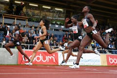 Daryll Neita, Mujinga Kambundji, Asha Philip und Gloria Hooper (von links) im 100m Rennen der Frauen (Bild: Philipp Schmidli)