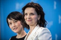 Rinko Kikuchi (links) und Juliette Binoche posieren gemeinsam. (Bild: Keystone)