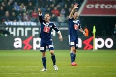 Luzerns Alain Wiss, links, und Tomislav Puljic gestikulieren im Super League Spiel zwischen dem FC Luzern und dem FC Basel. (Bild: Keystone)