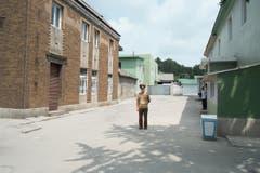 Ein geheimes Dorf in der entmilitarisierten Zone (DMZ). Dieses Bild wurde ebenfalls gelöscht, als das Fotografenteam die DMZ passierte – es konnte später wiederhergestellt werden. (Bild: Martin von den Driesch)