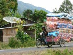 Neue Matratze gefällig. In Samosir Tobasee Sumatra, Indonesien. (Bild: Markus Betschart)