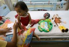 """Die internationale Hilfsorganisation """"Action Against Hunger"""" ist nach wie vor in den Philippinen präsent. (Bild: Keystone)"""