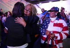 Erleichterung und Freude nach der Wiederwahl von Obama. (Bild: Keystone)
