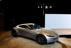 Im neuen Streifen fährt James Bond einen Aston Martin DB 10. Aston Martin plant eine streng limitierte Auflage von 10 Exemplaren des Sportcoupés. Technische Daten gab der Autobauer keine Preis. (Bild: Keystone)