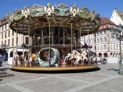 Hundert Jahre und kein bisschen müde. Karussell in Strassburg (Bild: Hans Scheidegger)