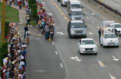 Der Papst fährt mit den Papamobil durch Havanna. (Bild: Keystone)