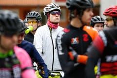 Die Mountainbiker sind bereit. (Bild: Patrick Hürlimann (Neue Zuger Zeitung))