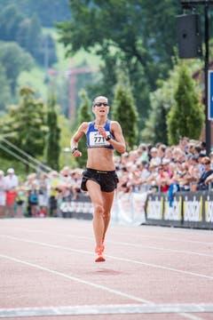 Die Zweitplatzierte im Halbmarathon: Susanne Rüegger aus Cham. (Bild: Manuela Jans-Koch / Neue LZ)